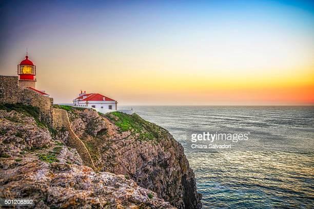 cabo sao vicente at the sunset - distrito de faro portugal imagens e fotografias de stock