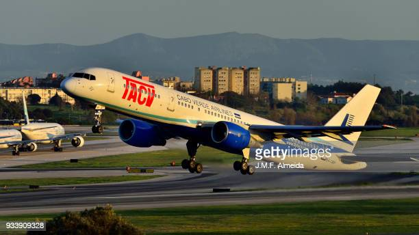 tacv cabo verde airlines boeing 757-200 - boeing 757 200 stock pictures, royalty-free photos & images