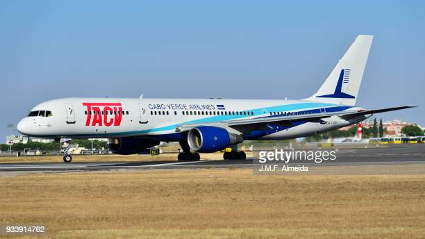 d4-cbp tacv cabo verde airlines boeing 757-200 - boeing 757 200 stock pictures, royalty-free photos & images