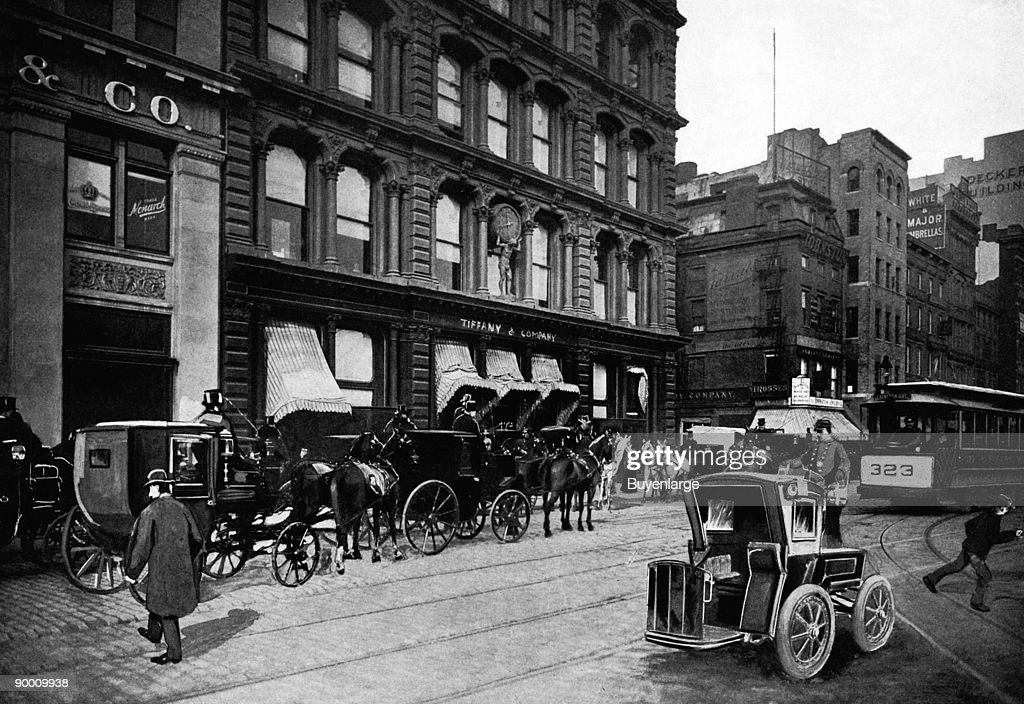 Cabs Outside of Tiffany & Co., New York City : News Photo