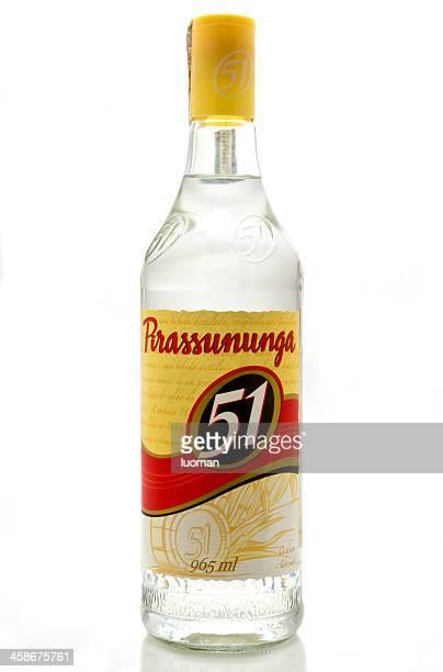 cachaça 51 - bebida destilada - fotografias e filmes do acervo