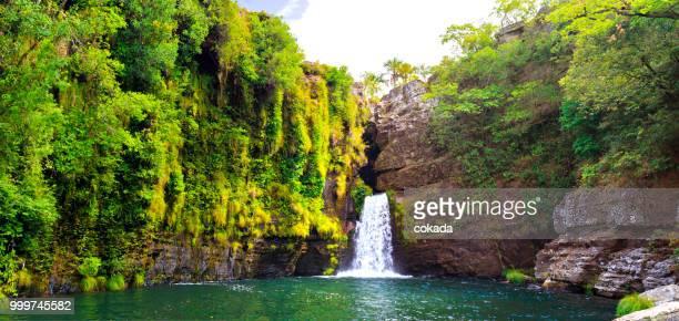cachoeira rei do prata - cavalvante, goiás - chapada dos veadeiros - lagune stockfoto's en -beelden