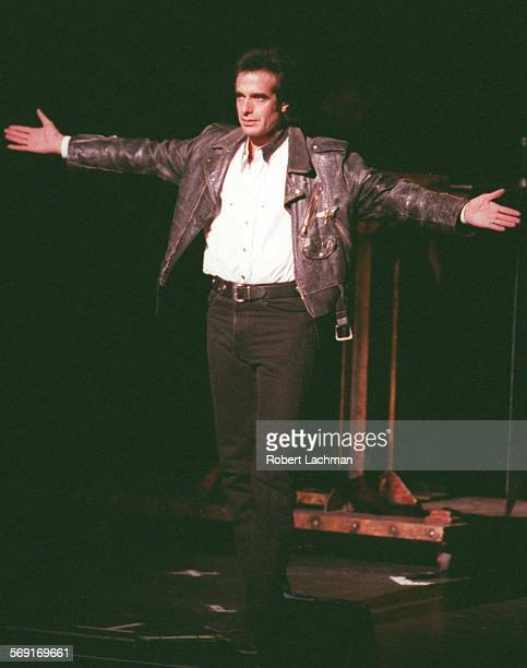 CACopperfield/HandsRDL Magician David Copperfield acknowledges the audience after his first illusion of the night on stage at the Performing Arts...
