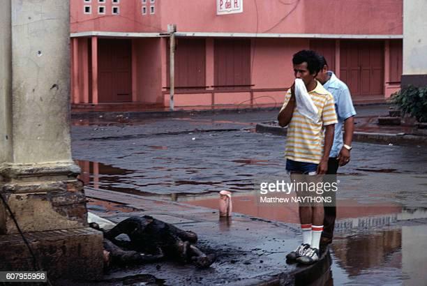 Image contains graphic content Cadavres carbonisés lors de la révolution sandiniste en juin 1979 à Managua au Nicaragua