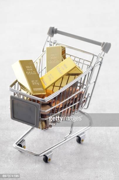 caddie with gold bar