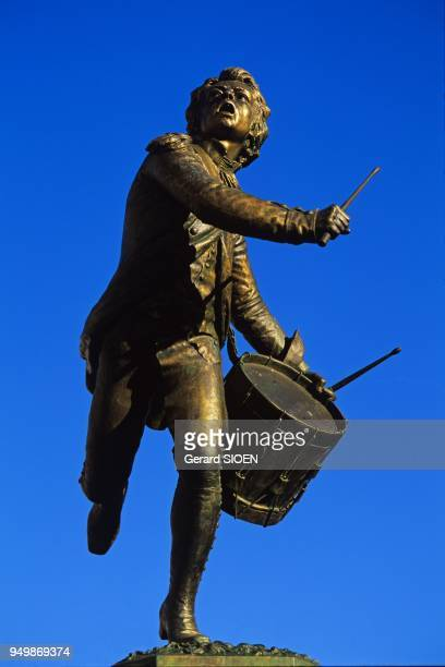Cadenet village in the south of the regional natural park of Luberon the Drummer Arcola Andr Estienne statue in bronze sculpture by Jean Barnab Amy...