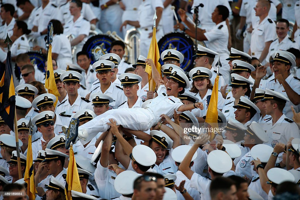 East Carolina v Navy : News Photo