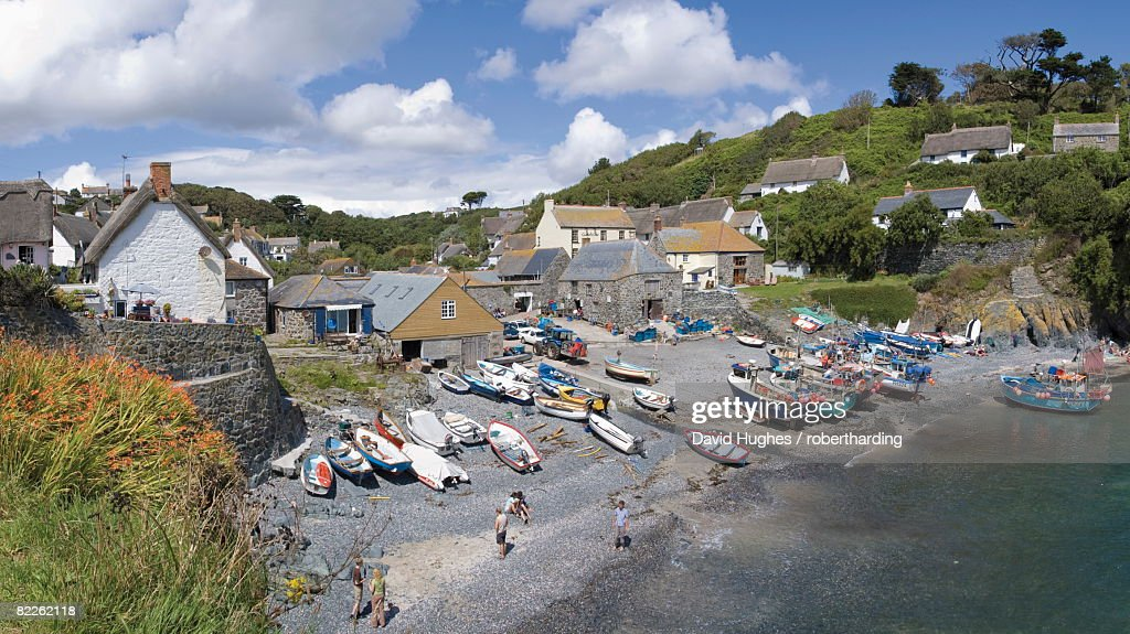 Cadgwith harbour, fishing village and port, Cornwall, England, United Kingdom, Europe : Stock Photo