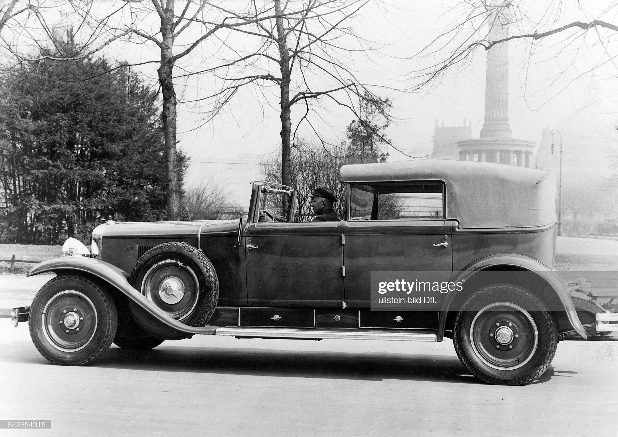 Luxuswagen : News Photo