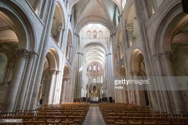 Caen : Church of Saint-Etienne , former abbey of the Abbaye-aux-Hommes, building listed as a National Historic Landmark Overview of the nave.
