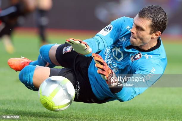 Caen's French goalkeeper Remy Vercoutre stops the ball during the French L1 football match Monaco vs Caen on October 21 2017 at the Louis II stadium...