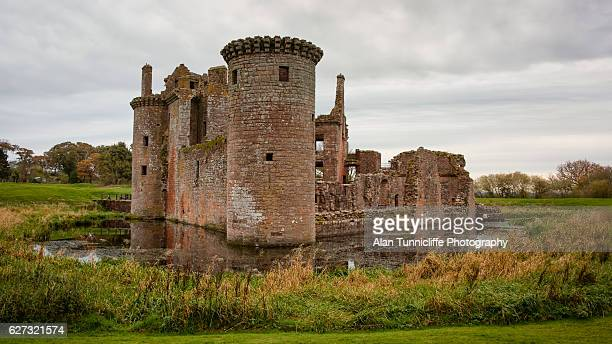 caerlaverock castle - galloway scotland stock pictures, royalty-free photos & images