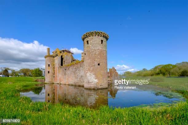 caerlaverock castle, scotland - moat stock pictures, royalty-free photos & images