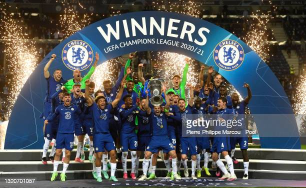Caesar Azpilicueta of Chelsea lifts the Champions League Trophy following their team's victory in the UEFA Champions League Final between Manchester...