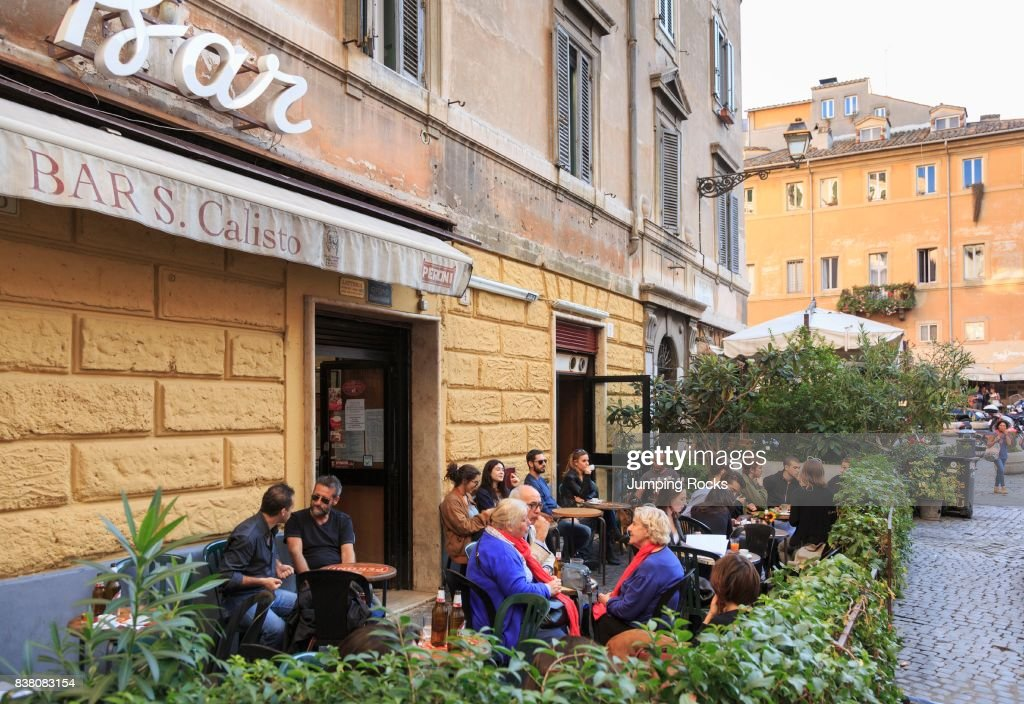 Cafe Life in Trastevere neighborhood, Rome, Italy : News Photo
