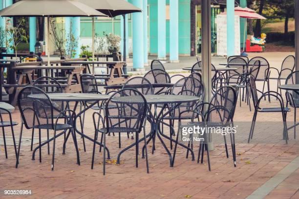 cafe terrace at plaza - オープンカフェ ストックフォトと画像