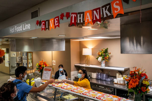 WA: Hospital Staff At Seattle's Harborview Medical Center Work On Thanksgiving