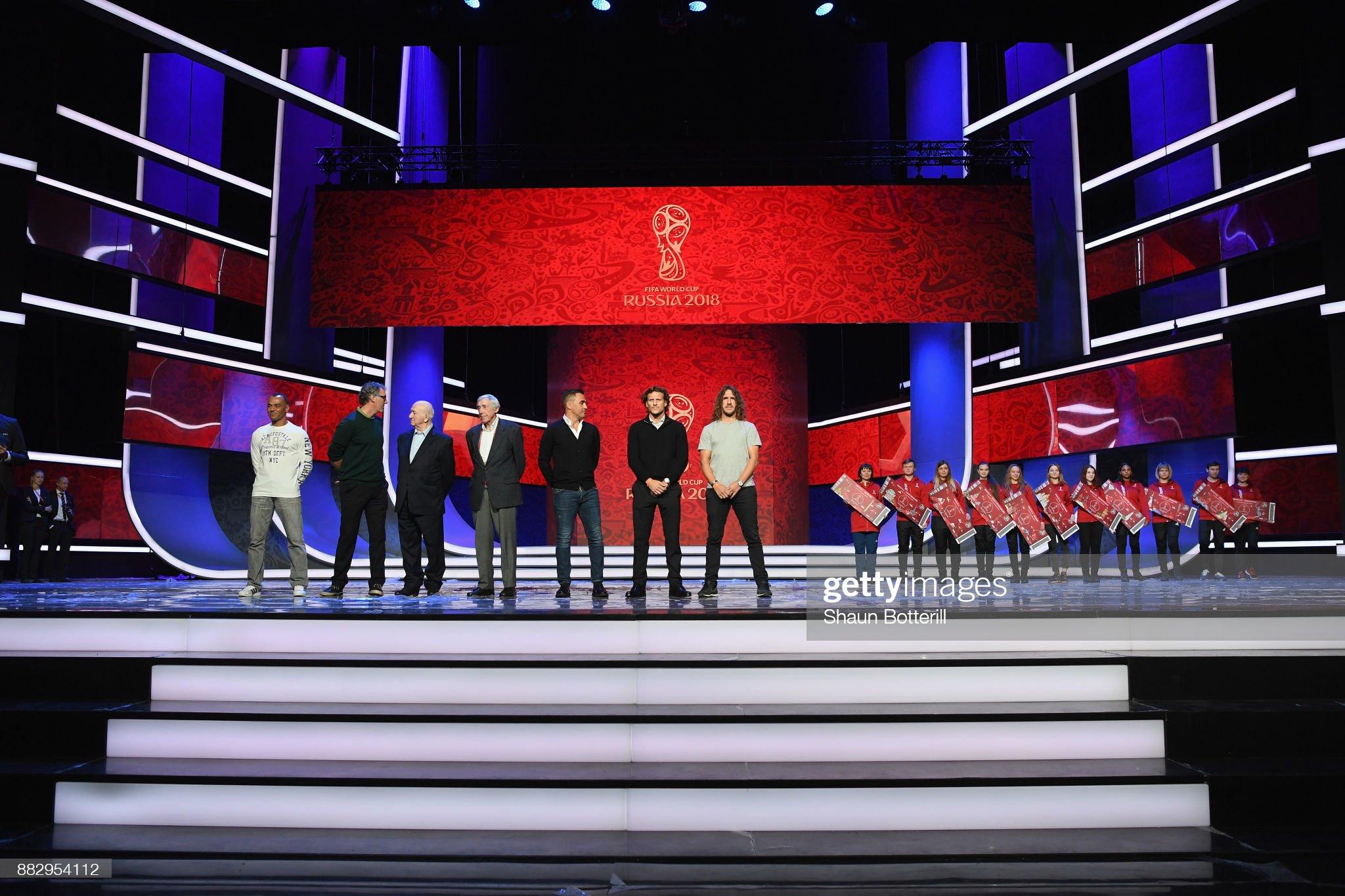 ¿Cuánto mide Carles Puyol? - Altura - Real height - Página 4 Cafu-laurent-blanc-nikita-simonyan-gordon-banks-fabio-cannavaro-diego-picture-id882954112?s=2048x2048