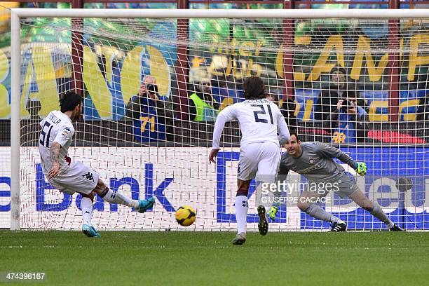 Cagliari's Chilean forward Mauricio Ricardo Pinilla Ferrera kicks the ball to score a penalty during the Serie A football match Inter Milan vs...