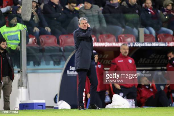 cagliari's coach Diego Lopez looks on during the Serie A match between Cagliari Calcio and UC Sampdoria at Stadio Sant'Elia on December 9 2017 in...