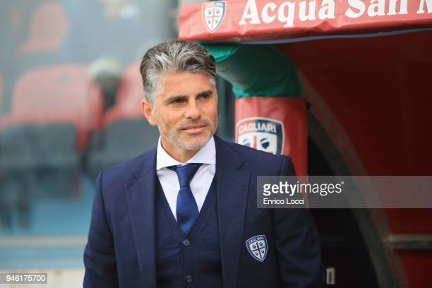 Cagliari's coach Diego Lopez looks on during the serie A match betweenCagliari Calcio v Udinese Calcio at Stadio Sant'Elia on April 14 2018 in...