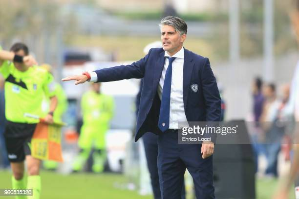 Cagliari's coach Diego Lopez reacts during the Serie A match between Cagliari Calcio and Atalanta BC at Stadio Sant'Elia on May 20 2018 in Cagliari...