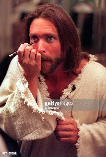 Glory.of.easter.3.0408.AS––GARDEN GROVE––Actor Bodie Newcomb, who plays Jesus, applies makeup before going onstage for the Glory of Easter...