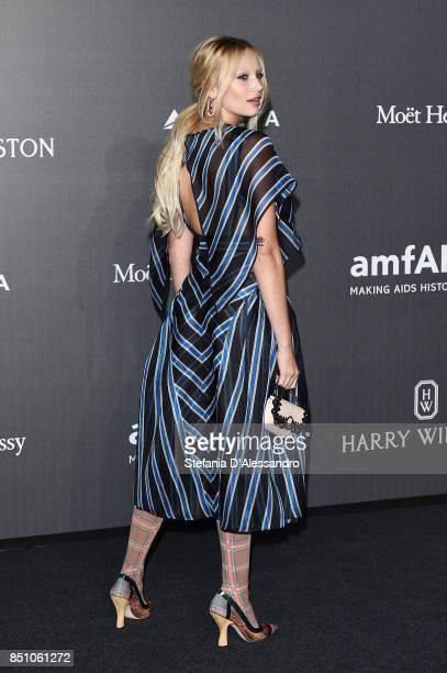 Cailin Russo walks the red carpet of amfAR Gala Milano on September 21 2017 in Milan Italy
