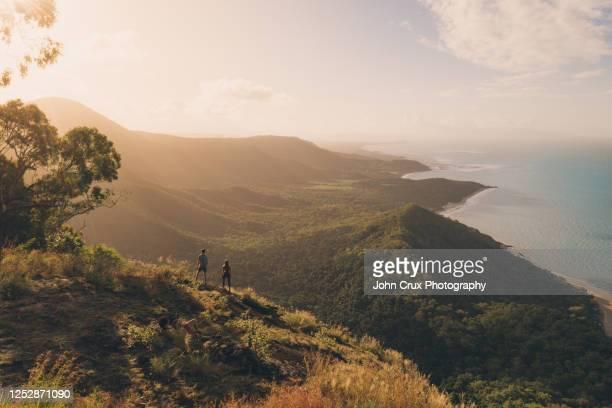 cairns mountains - ケアンズ ストックフォトと画像