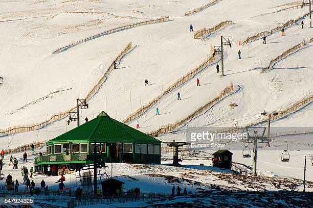 cairnwell ski centre - braemar stock pictures, royalty-free photos & images