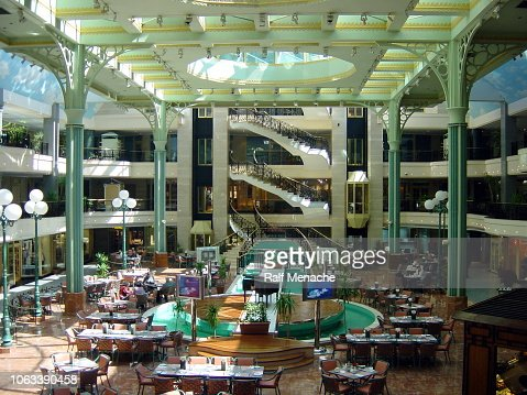 Cairo 2003 A Shopping Mall At The City Center Egypt High Res Stock Photo Getty Images
