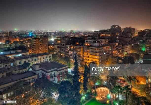 les toits du quartier de zamalek, au caire, sur l'île, saray el gezira - zamalek photos et images de collection