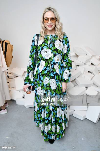 Cait Munro attends Rachel Lee Hovnanian The Women's Trilogy Project Park 3 PURE at Leila Heller Gallery on June 7 2018 in New York City