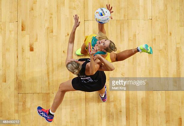 Caitlin Bassett of the Diamonds competes with Casey Kopua of New Zealand during the 2015 Netball World Cup match between Australia and New Zealand at...