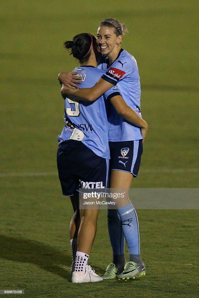 W-League Rd 9 - Western Sydney v Sydney : News Photo