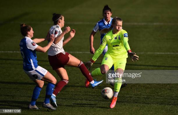 Caitlin Foord of Arsenal shoots and scores her sides second goal whilst under pressure from Hannah Hampton of Birmingham City during the Barclays FA...