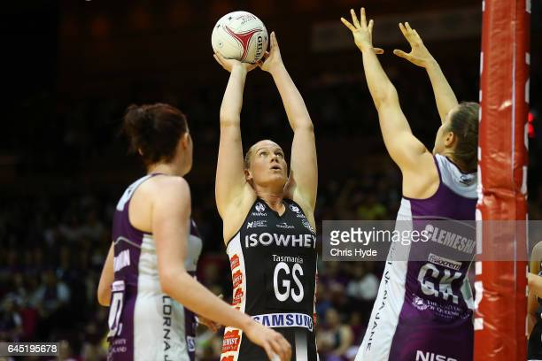Caitlin Thwaites of the Magpies shoots during the round two Super Netball match between the Queensland Firebirds and the Collingwood Magpies at...