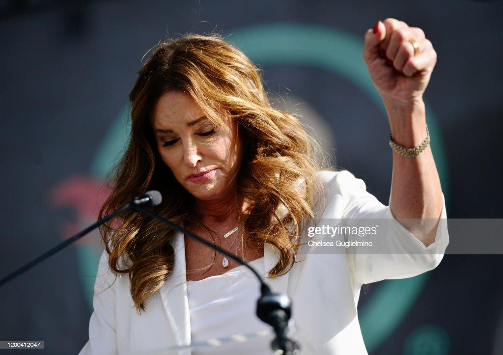 4th Annual Women's March LA: Women Rising : News Photo