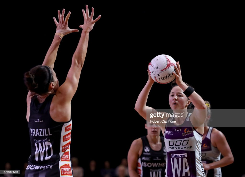 Super Netball Rd 10 - Magpies v Firebirds : ニュース写真