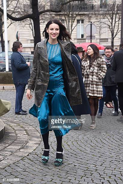 Caitriona Balfe attends the Miu Miu show as part of the Paris Fashion Week Womenswear Fall Winter 2016/2017 on March 9 2016 in Paris France