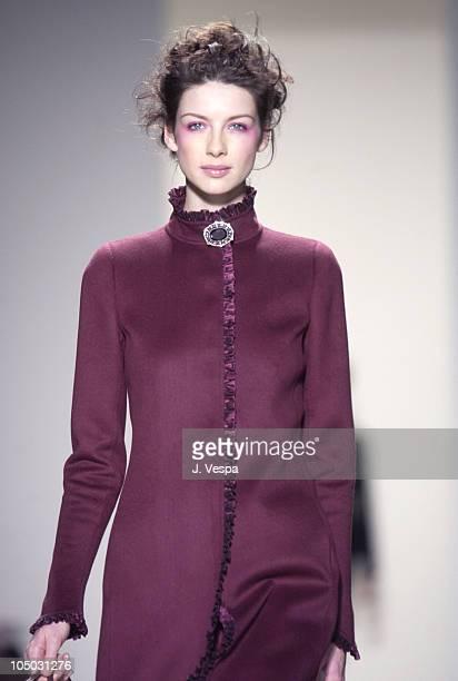 Caitriona Balfe in Oscar de la Renta Fall 2003 Fashion