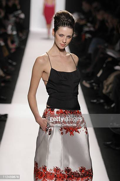 Caitriona Balfe wearing Narciso Rodriguez Fall 2005