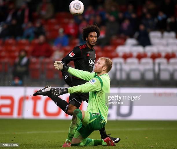 Caiuby Torwart Robert Almer Zweikampf Aktion Spielszene FC Energie Cottbus FC Ingostadt zweite Bundesliga Sport Fußball Fussball Stadion der...