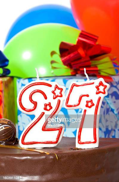 Pastel de cumpleaños twenty-seventh