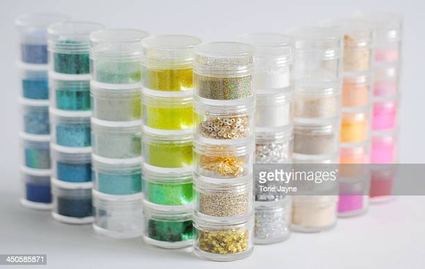 Cake glitters, powders and sequins