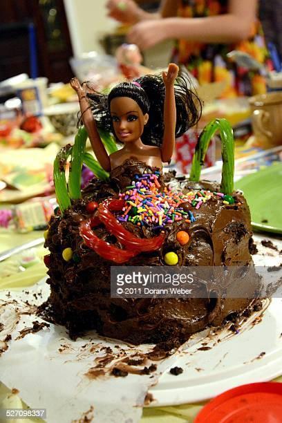 cake wreck - candy dolls fotografías e imágenes de stock