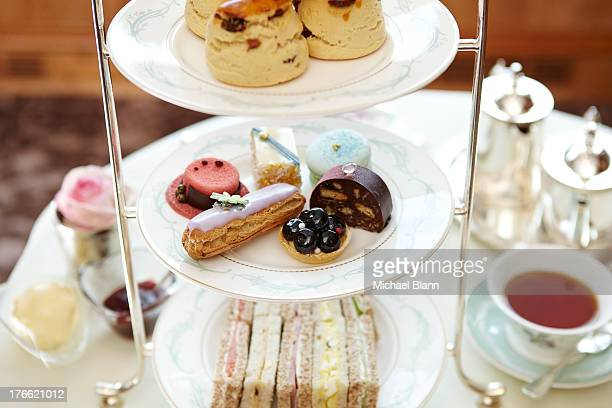 cakes and afternoon tea - afternoon tea stock pictures, royalty-free photos & images