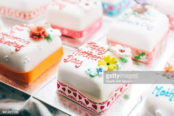 Amazing 60 Top Birthday Cakes Fotos En Beelden Getty Images Birthday Cards Printable Nowaargucafe Filternl