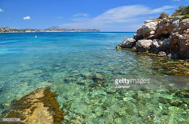 Cala en la playa de Calpe, Alicante