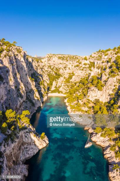 calanque d'en vau in the calanques national park, french riviera france - cassis stock pictures, royalty-free photos & images